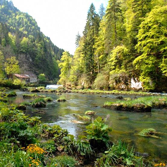 Pédaler le long du Doubs